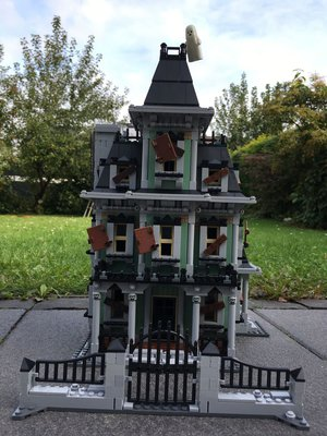 Review LEPIN 16007 Haunted House